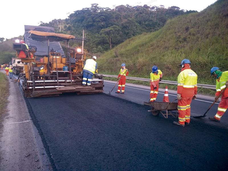Consórcio Zopone/Estrutural executa obra na  Autopista Régis Bittencourt